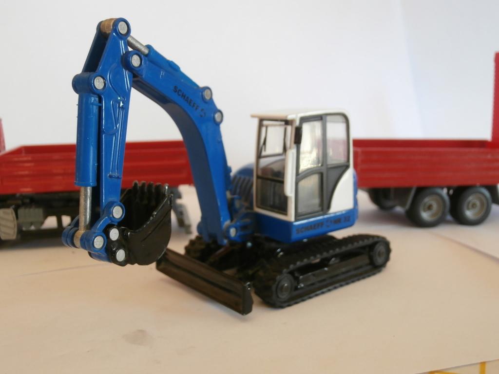 Vendo modellini usati di ruspe e di camion trainsimhobby - Foto di grandi camion ...